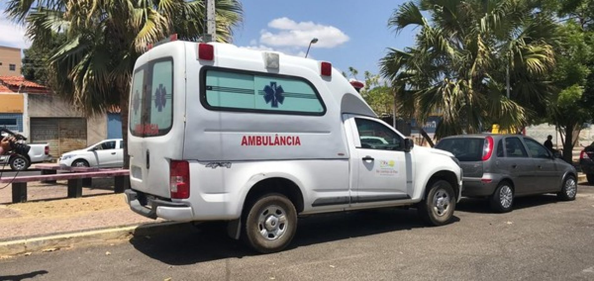 Ambulância de Prefeitura do Piauí é apreendida com placa adulterada e sem licenciamento