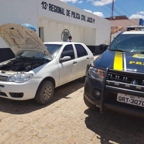 PRF recupera em Campo Grande do Piauí veículo roubado e adulterado