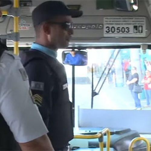 Ceará tem 38 ataques a veículos e transfere 257 presos