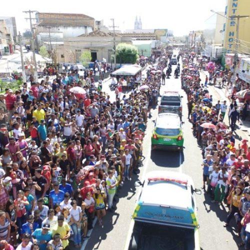 Em alusão ao Dia da Independência do Brasil, multidão vai às ruas de Picos assistir Desfile Cívico