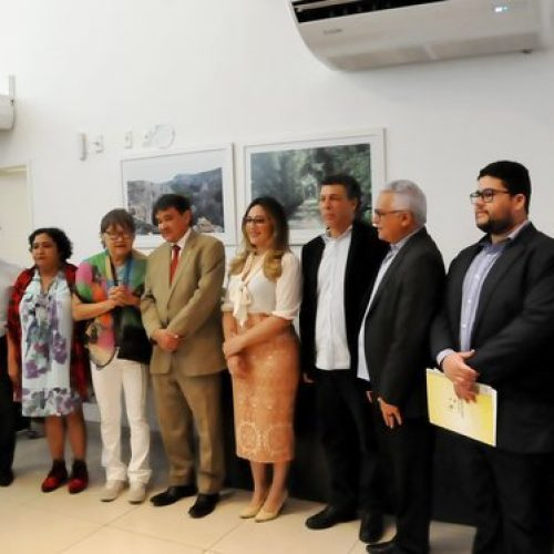 Governador discute com cineastas produção de filme sobre Batalha do Jenipapo