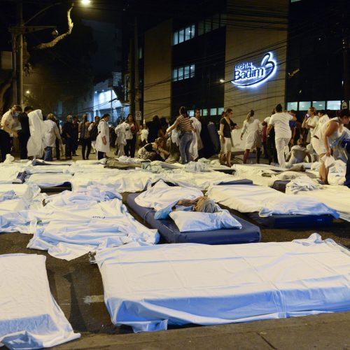 Onze pessoas morrem após incêndio em hospital