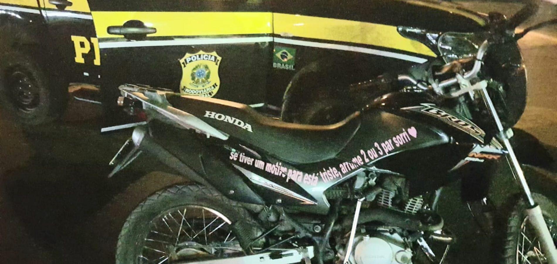 PRF prende condutor com motocicleta adulterada e com registro de roubo em Santo Antônio de Lisboa