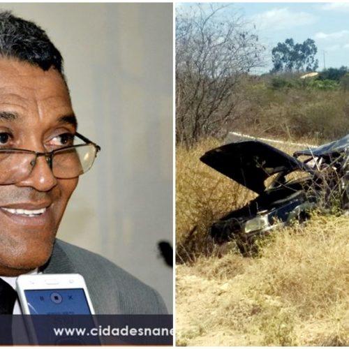 Carro de pastor de Curral Novo do Piauí capota e deixa feridos na BR-316