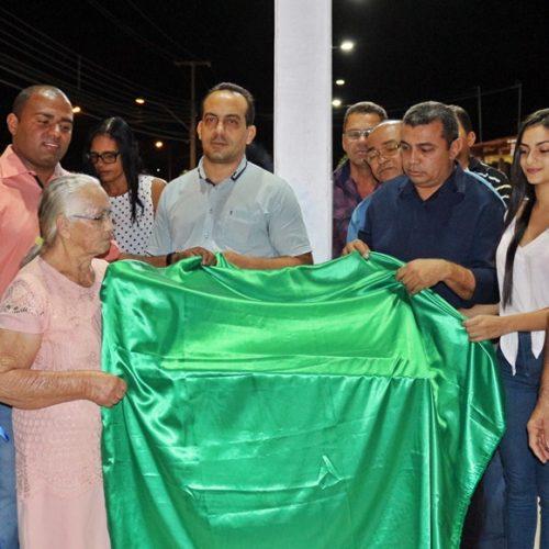 Prefeito Neném de Edite inaugura nova praça em Jaicós
