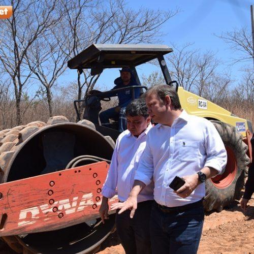 Wellington Dias inaugura pavimentação em Itainópolis e visita obras de asfaltamento da PI-245