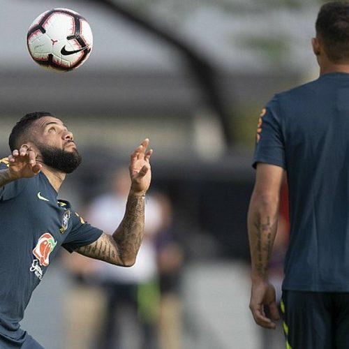 Tite testa Brasil com Coutinho, Neymar, Gabriel Jesus e Firmino no setor ofensivo