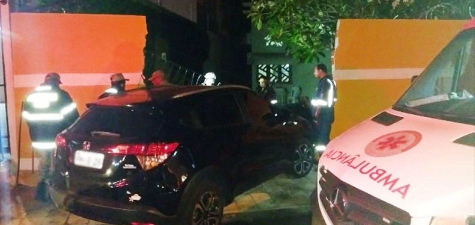 Ao ser assaltado, dono de bar atropela suspeito contra muro no PI
