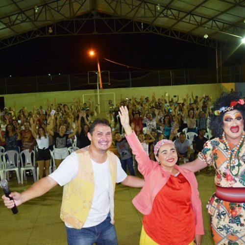 Parceria entre Estado e Prefeitura de Picos traz shows de humor gratuitos para população; hoje tem