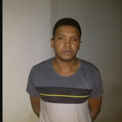 Acusado de assassinato no interior de Padre Marcos é preso em blitz