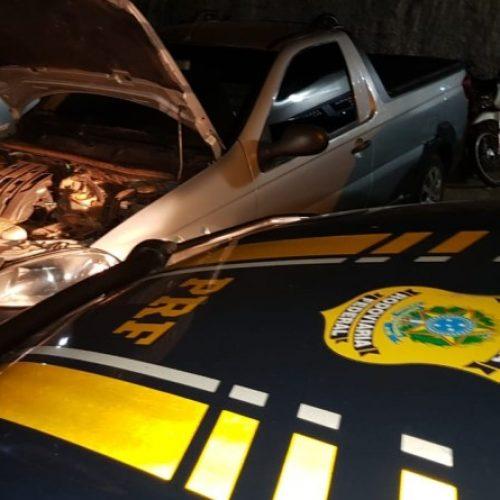 PICOS│PRF recupera veículo adulterado com registro de roubo e prende condutor na BR-316