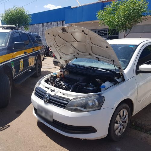 PRF prende condutor por receptação e apreende veículo adulterado na BR-316 em Picos