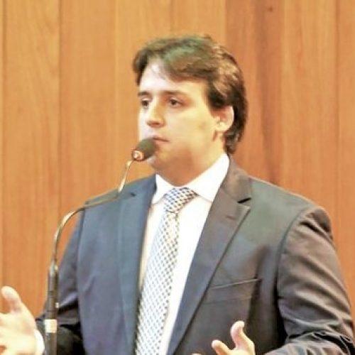 Deputado Flávio Júnior quer instalação de banheiros adaptados em eventos públicos do Piauí