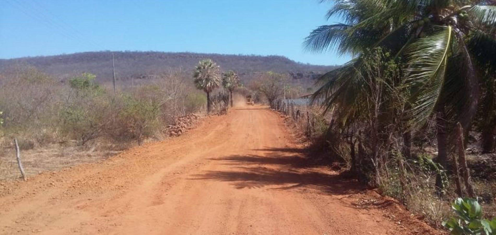 Secretaria de Agricultura de Picos recupera 30 quilômetros de estradas vicinais