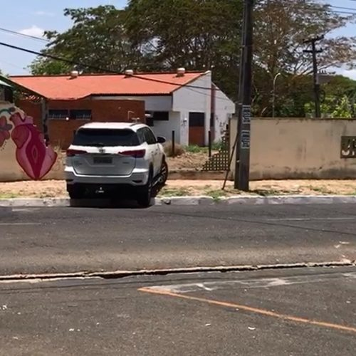 Homem tenta fugir de flagrante por furto de energia e é preso após colidir com muro da Ufpi