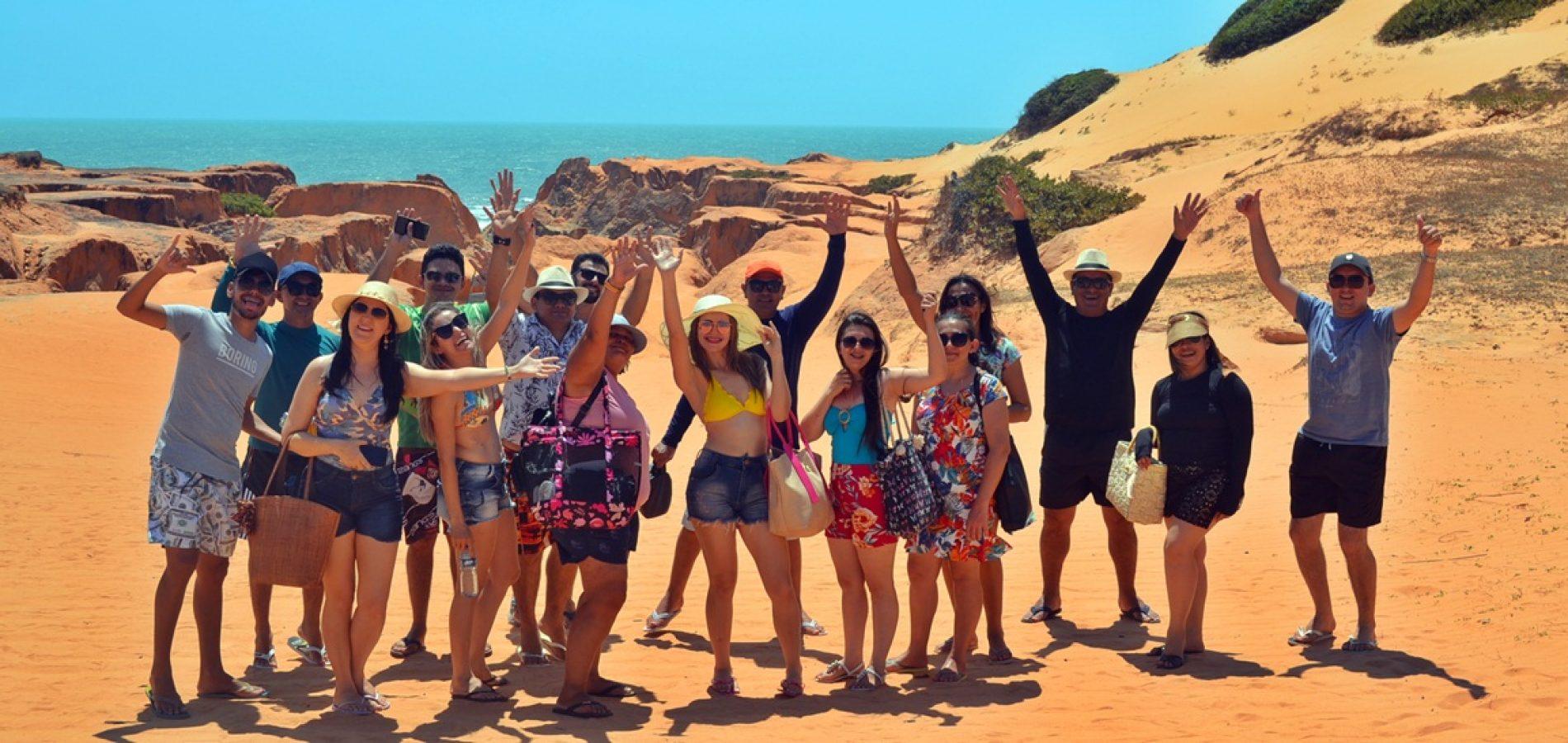 Professores de Belém do Piauí ganham viagem ao litoral cearense