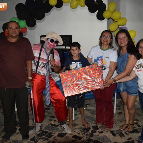 PICOS | Sem quase nenhum apoio, presidente da Passagem das Pedras realiza festa para crianças