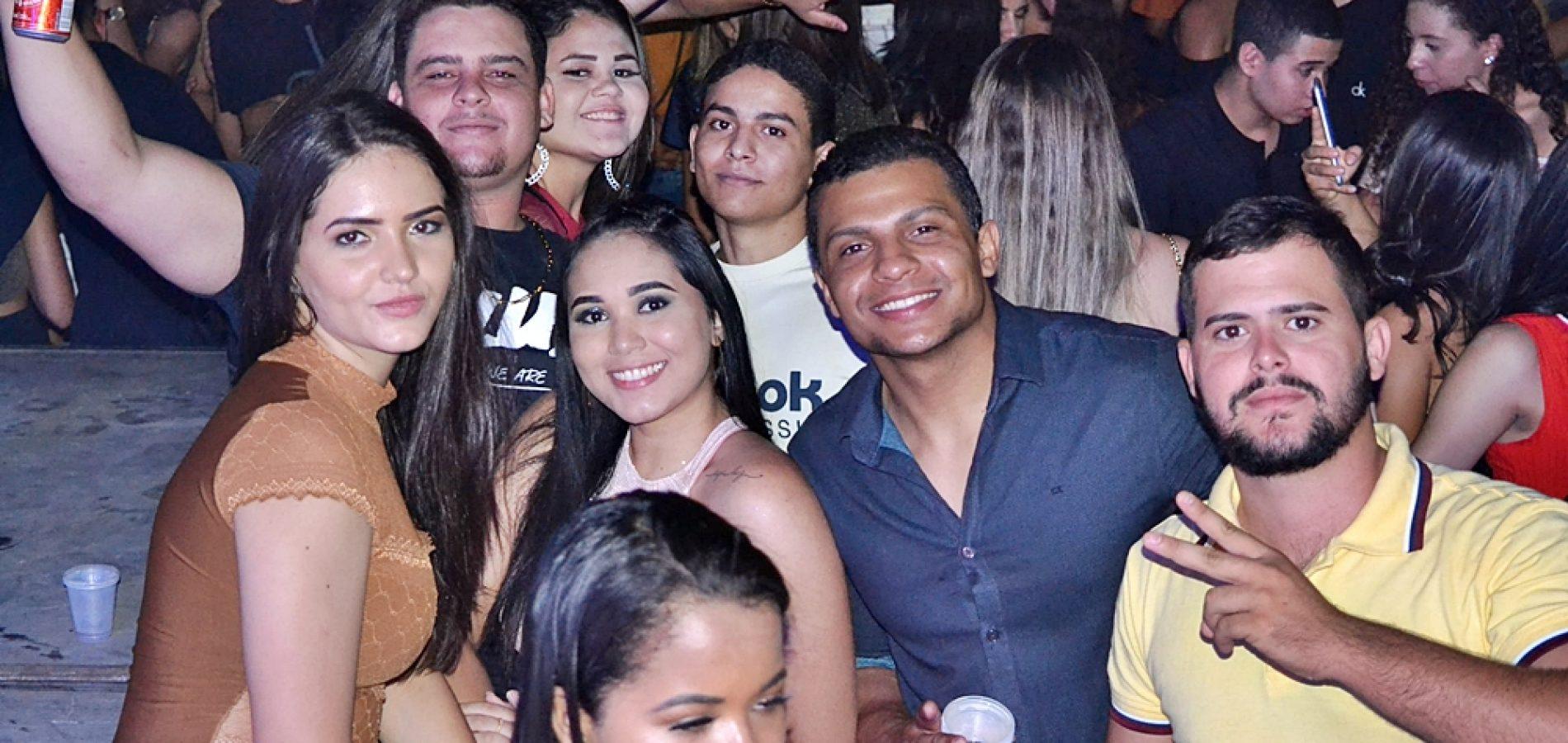 Confira as fotos dos shows de Zé Vaqueiro e Thúllio Milionário nos festejos de Simões
