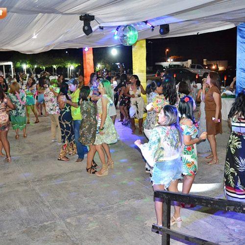 Prefeitura de Simões promove festa temática e homenageia professores