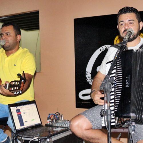 JAICÓS | Lamarck e Isael Veloso fazem show no Galo Beer; veja fotos de quem esteve presente