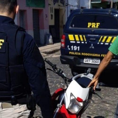 PRF recupera, em Inhuma, moto roubada no Ceará