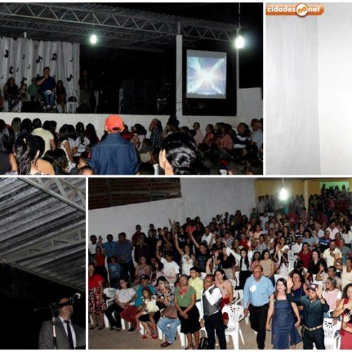 Igreja Assembleia de Deus Missão promove show beneficente e reúne multidão em Alagoinha do Piauí; fotos