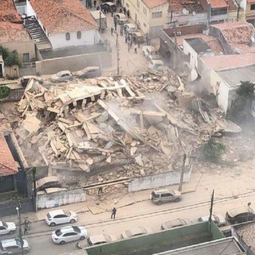 Por 10 minutos, jovem piauiense escapa de desabamento de prédio em Fortaleza