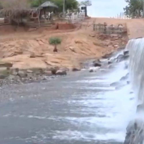 Água de barragem volta a atingir Conceição do Canindé após mortes de peixes