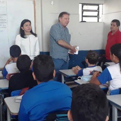 TCE/PI visita escolas públicas de Picos e divulga aplicativo 'Piauí na Ponta do Lápis'