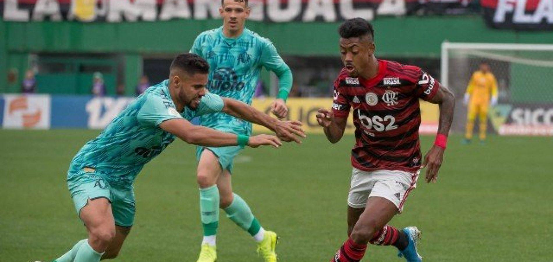 Cada vez mais líder, Flamengo se fecha para superar 'cansaço normal' e desfalques