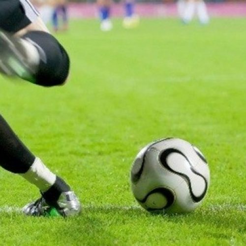 Diretor médico da Fifa diz que partidas não devem ser jogadas até setembro