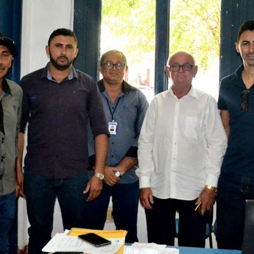 Em Picos, vereadores de Vila Nova participam de reunião na Agespisa para solucionar problemas no abastecimento de água