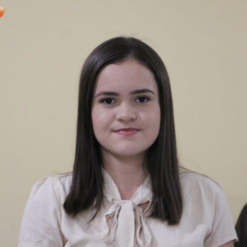 Estudante de Belém do Piauí é empossada senadora em Brasília