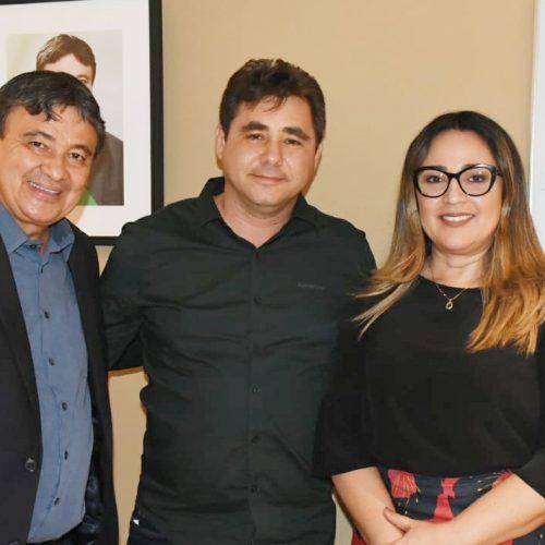 Prefeito Valdinar se reúne com o governador W. Dias e garante mais recursos para Padre Marcos