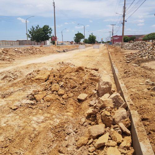 Em Campo Grande, obras de pavimentação avançam e avenida é contemplada