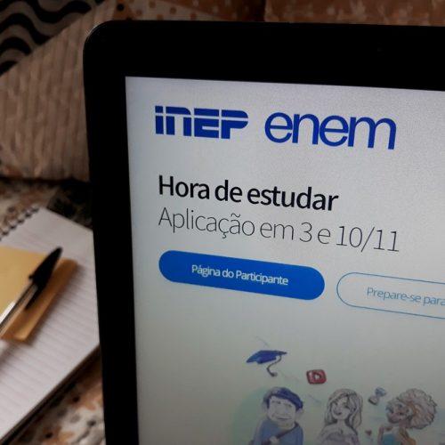 Redes de Educação Municipal e Estadual de Alegrete ofertam dois ônibus para transporte de alunos inscritos no ENEM 2019