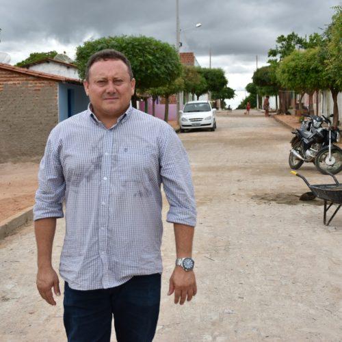 Prefeito Edilson Brito divulga quatro atrações para o aniversário de 24 anos de Vila Nova do Piauí. Veja!