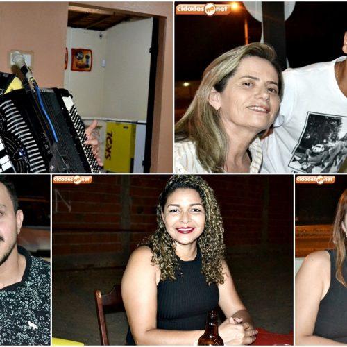 JAICÓS | Show com Isael Veloso anima noite de sábado no Galo Beer; veja quem marcou presença