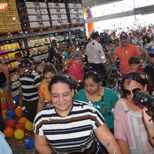PICOS   Assaí Atacadista recepciona centenas de clientes durante inauguração; confira ofertas