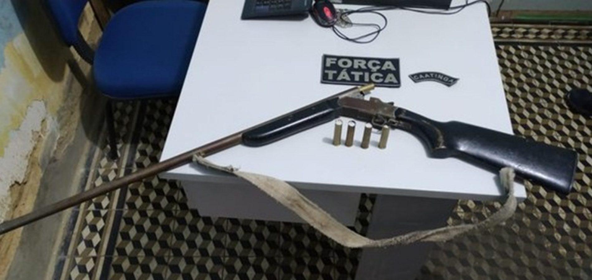 Ex-presidiário é preso com arma de fogo em Paulistana