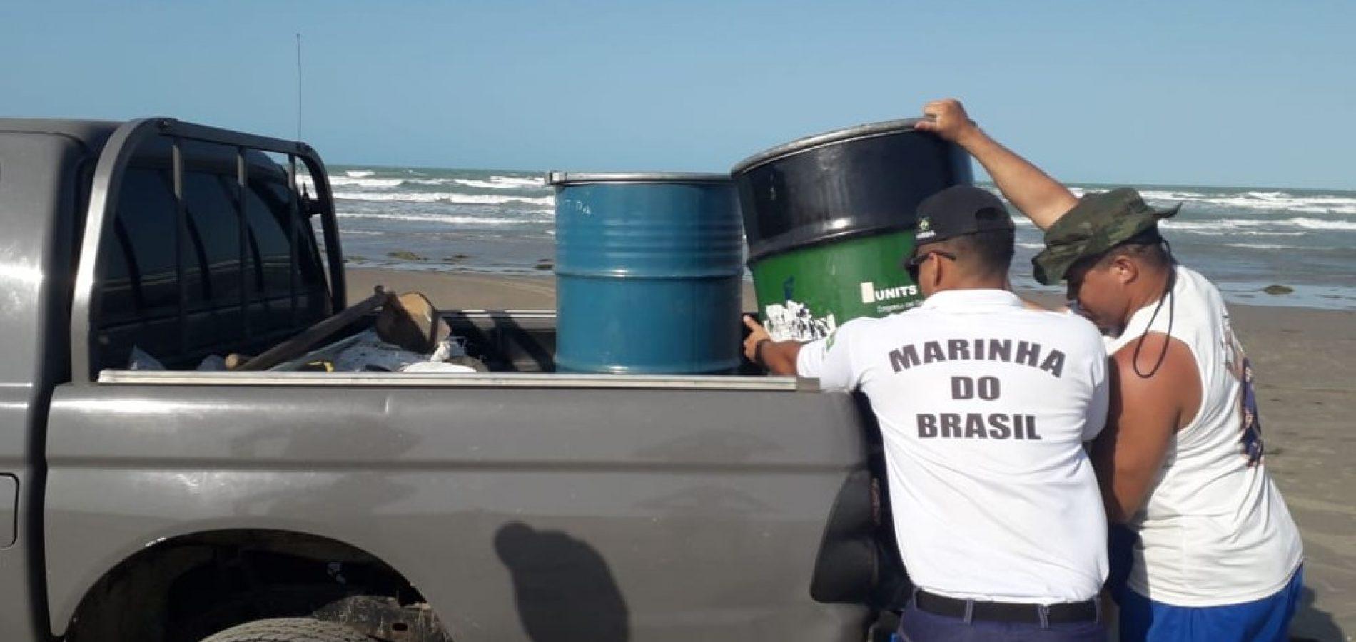 Mais de três toneladas de óleo são retiradas de praias no Piauí