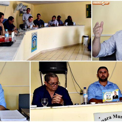 Autoridades e moradores em audiência com representante da Agespisa, denunciam situação caótica no abastecimento de água em Vila Nova