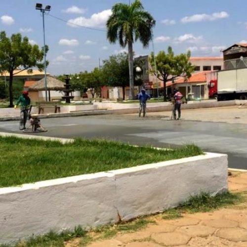 Prefeitura de Picos revitaliza quadra esportiva do PCC