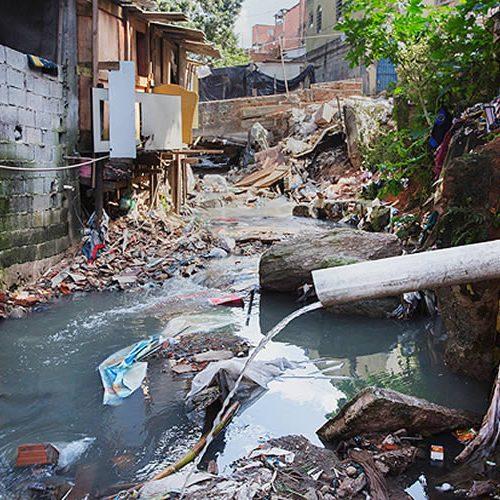 Piauí tem pior índice de esgotamento e 2° maior número de casas sem banheiro próprio, diz IBGE