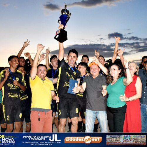 VILA NOVA 24 ANOS   Veteranos vence Lagoa e se consagra campeão do Campeonato de Futebol