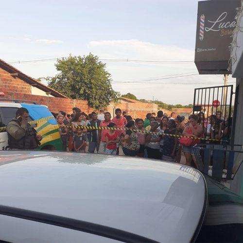 Jovem e adolescente são mortos em tiroteio em salão de beleza no Piauí