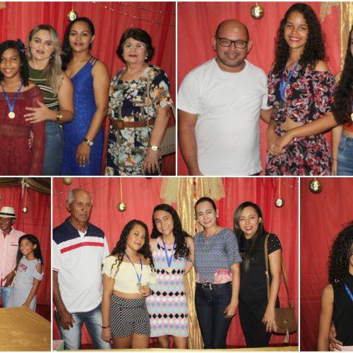 JAICÓS   Escola Pequeno Polegar homenageia alunos que se destacaram em 2019