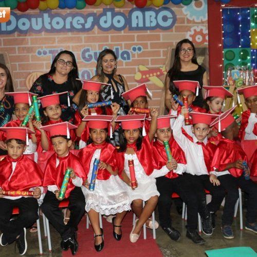 Creche Tia Guida promove formatura de 31 Doutores do ABC em Padre Marcos