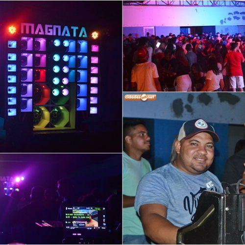SIMÕES | Veja quem curtiu o Pré Réveillon 'La Farra do Magnata' no clube Acresi