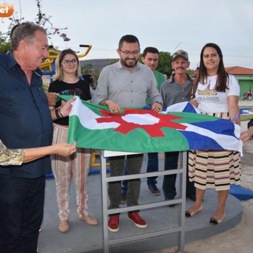 PICOS | Bairro Ipueiras recebe obras de revitalização de praça e calçamento